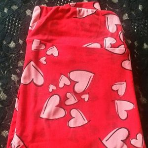 Lularoe Valentine Heart Leggings